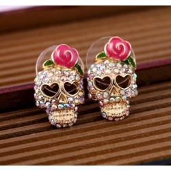 Kristallen schedel met roos - kleine oorbellen