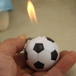 Fußballförmiger Zigarettenanzünder - Schlüsselbund