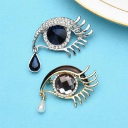 Crystal eye with a crystal...