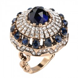 Big Natural Stone Crystal Antique Ring
