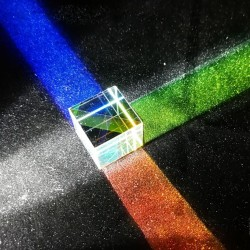 X - Cube 6-sided bright light - glass prism - optical lens