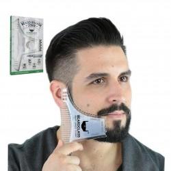 Barbe de mise en forme - modèle de style barbe avec un peigne
