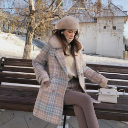 Fashionable wool winter coat with fur collar