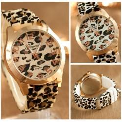 Montre tendance en acier inoxydable avec motif léopard - bracelet en silicone