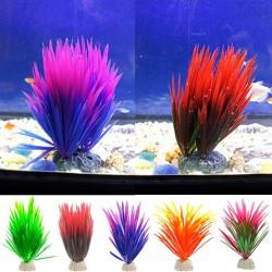 Künstliche grüne Pflanze - dekoratives Gras des Aquariums